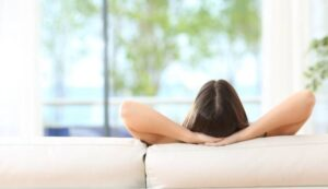 Agenzie Immobiliari a Serramazzoni? Scegli il divano per comprare casa!